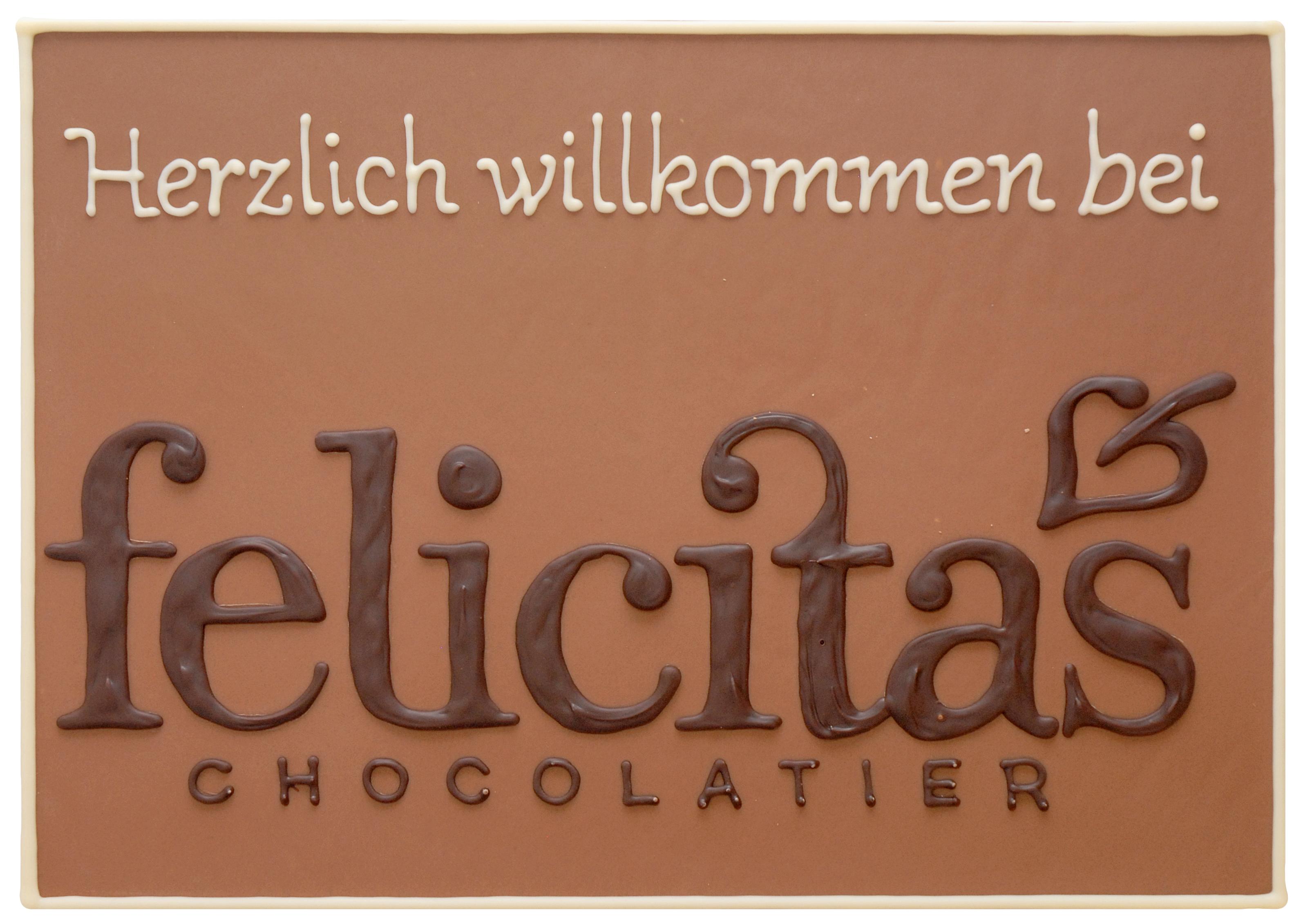 Schokoladenplatte-mit-Logo-gemalt-ausgeschnitten